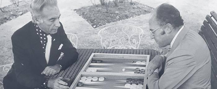 Balra Sir Stanley Matthews, jobbra Lewis Deyong