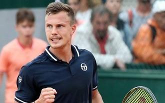 Kevés esélyt adunk Fucsovicsnak - napi tippek a Roland Garrosra