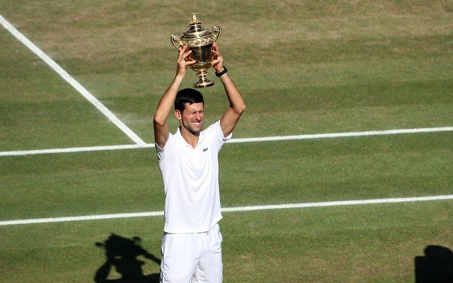Djokovics címvédőként várja a wimbledoni versenyt. - Fotó: Twitter