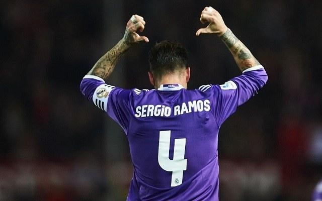 Ramosnak rendre meggyűlik a baja a sevillai fanatikusokkal. - Fotó: Twitter