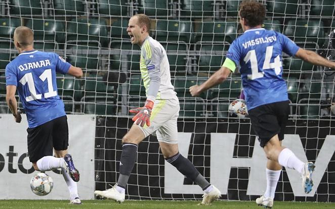 Gulácsi 450 perce nem kapott gólt a Bundesligában, ám friss sérülése miatt nem játszhat az észtek ellen. fotó: MLSZ
