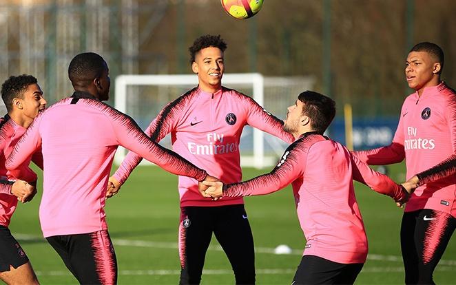 Vidáman zajlik az edzés Párizsban. fotó: PSG Official
