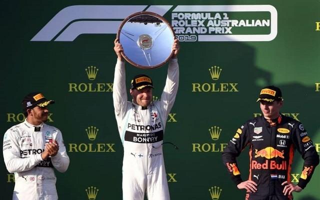 Bottas mellett Hamilton és Verstappen állhatott még fel a melbourne-i pódiumra. - Fotó: F1