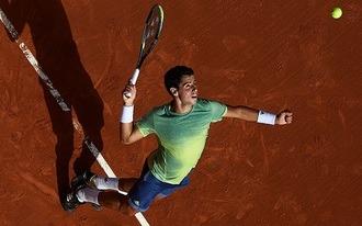 Egy 3.40-es rizikós és egy 1.92-es biztonsági tippel támadunk a Garros-finalista meccsén
