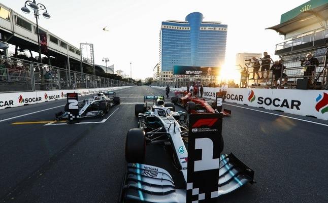 Bakuban is kettős Mercedes-siker született. - Fotó: F1