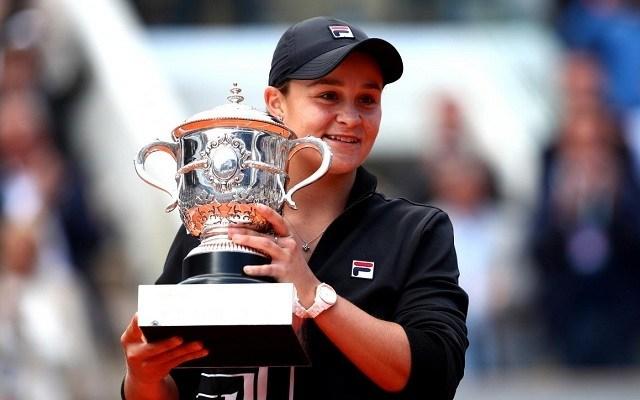Barty első egyéni GS-címét nyerte Párizsban. - Fotó: WTA