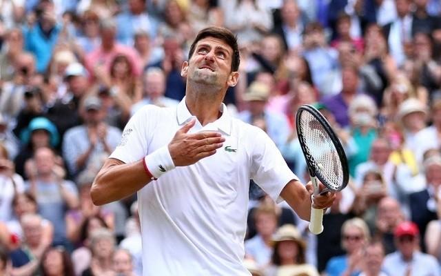 Djokovics két meccslabdát hárítva nyerte meg a wimbledoni döntőt. - Fotó: ATP