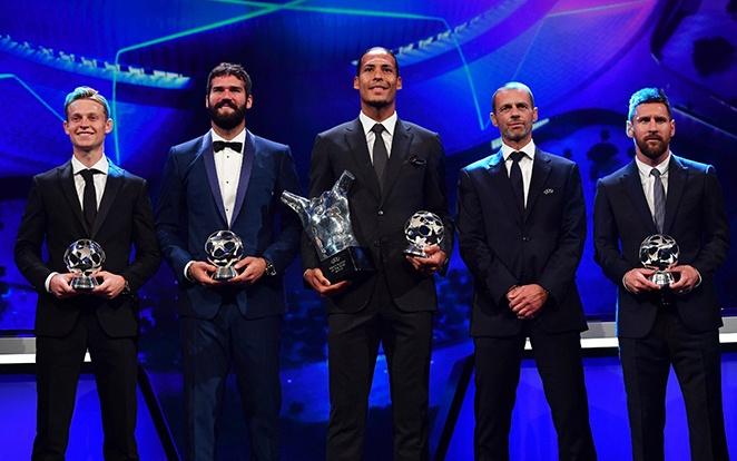 A holland az este folyamán két elismerést is bezsebelt, miután a legjobb védőnek is megválasztották. Messi a csatárok között végzett az élen. fotó: Twitter
