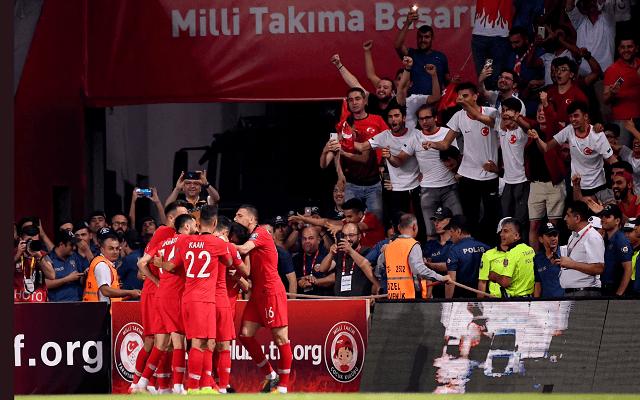 Tükörsima győzelmet arathatnak a törökök. - Fotó: twitter.com/uefaeuro