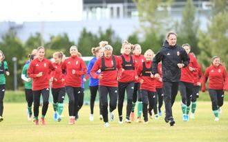 Mire mennek lányaink a világ egyik legjobb csapata ellen?