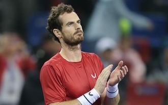 Ismét megráncigálhatja a román játékos Murray bajszát