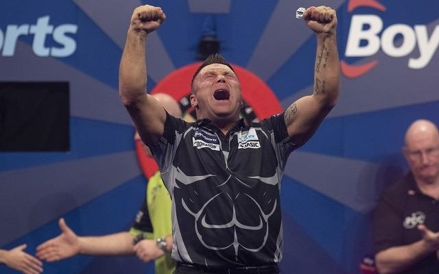 Price bombaformában dobott a Grand Slam döntőjében. - Fotó: PDC