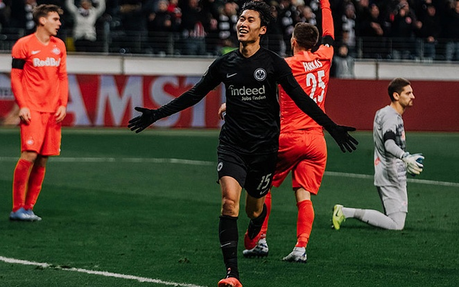 Kamada csúnyán elintézte a Salzburgot. Fotó: Eintracht Official