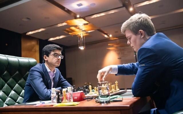 Giri először tudott nyerni a világbajnok-jelöltek versenyén. - Fotó: chess24.com