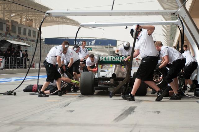A Mercedes megint a hátát mutatná a mezőnynek - fotó: AFP