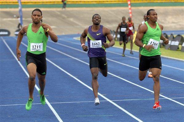 Yohan Blake (jobbra) 400-on ugyan kikapott Kingstonban, de egyéni csúcsa miatt így is boldog volt - Fotó: IAAF - Anthony Foster